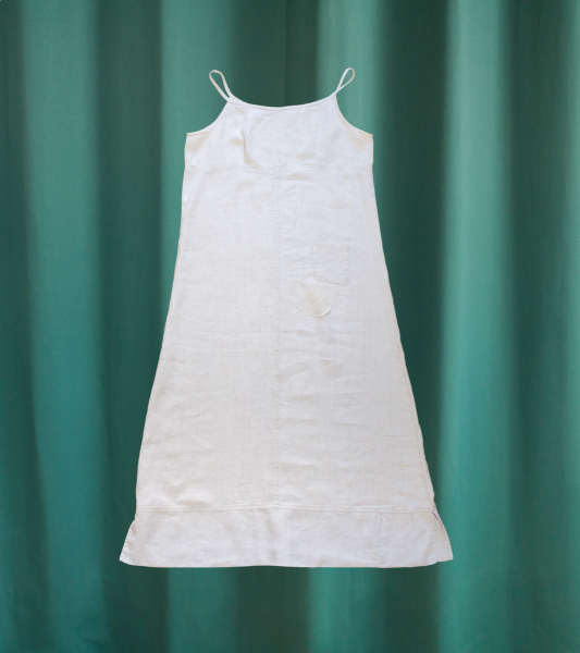 Vintage dress in natural linen, long and with straps