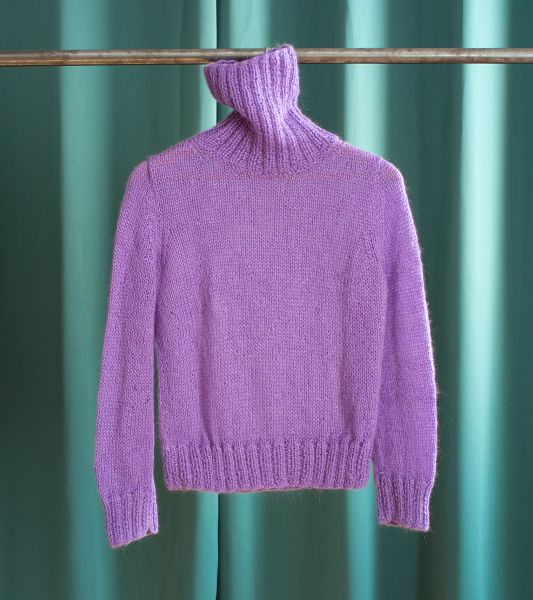 Vintage hand-knitted lilac turtleneck sweater